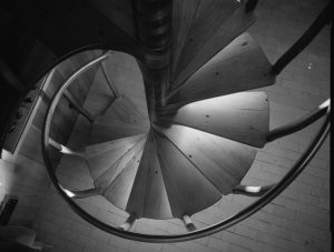 Catch the Upward spiral build resilience Dr. Arielle Schwartz
